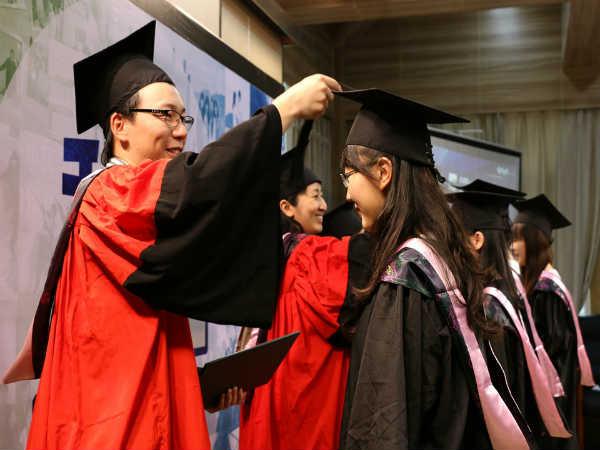 चीन में पढ़ाई के प्रमुख कारण