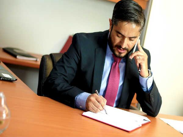Career In Corporate Law: जानिए कॉर्पोरेट लॉ में करियर की संभावनाएं, विकल्प और सैलरी