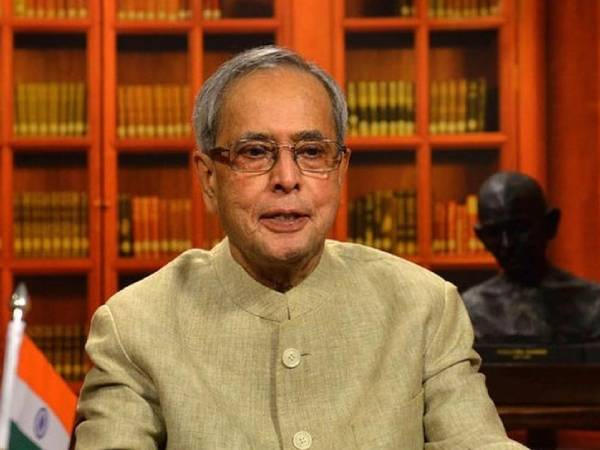 Pranab Mukherjee Health News: पूर्व राष्ट्रपति प्रणब मुखर्जी वेंटिलेटर सपोर्ट पर, देश कर रहा प्राथना