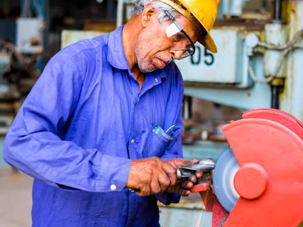 New Labour Codes India: सप्ताह में चार दिन कार्य की योजना पर विचार, श्रम मंत्रालय का ड्राफ्ट तैयार