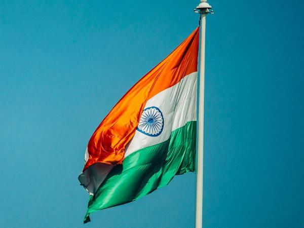 Happy Independence Day Poem 2021: स्वतंत्रता दिवस पर सबसे प्यारी देशभक्ति कविता भर देगी आपमें जोश