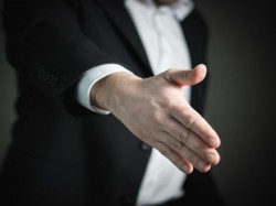Seven Body Language Tips For Interview